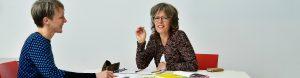 Portret Christel Berkhout in gesprek